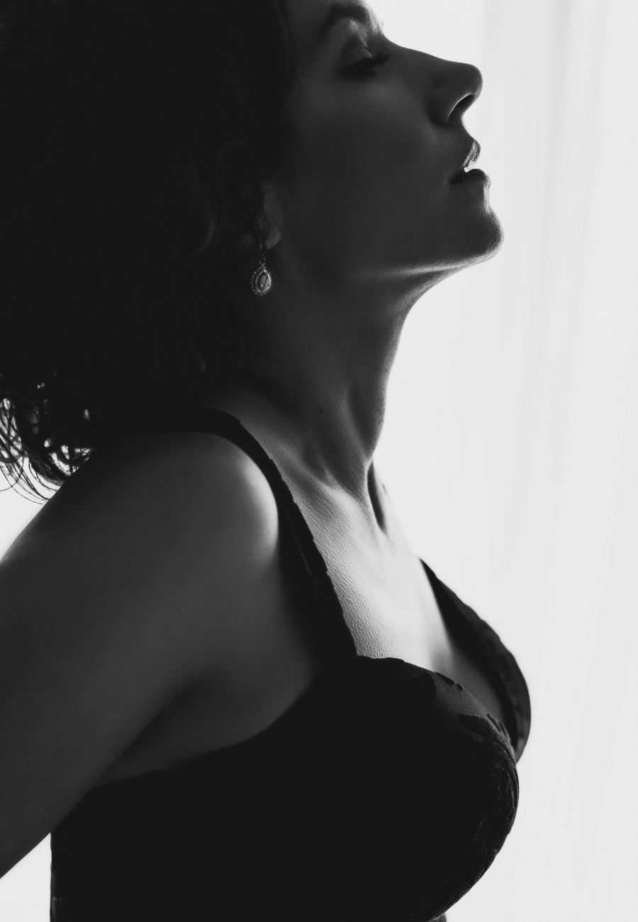 woman's profile in black and white